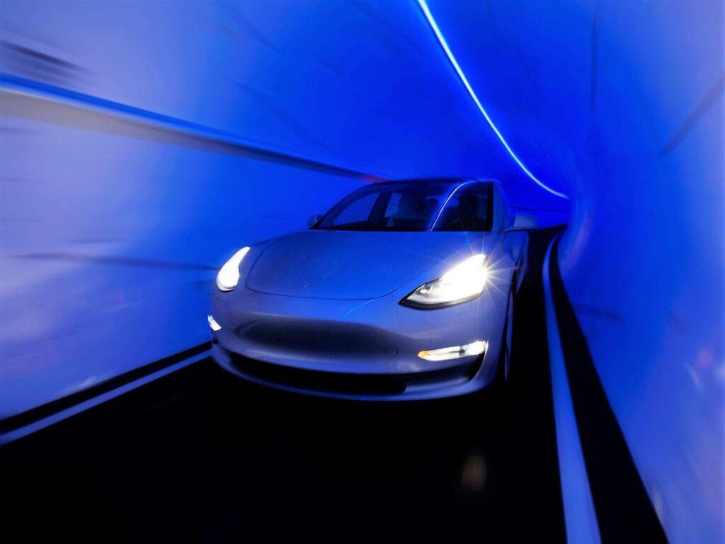 Elon-Musk-Unveils-High-Speed-Las-Vegas-Transport-Tunnel
