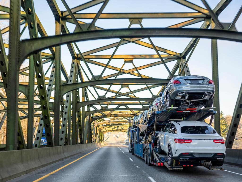 Peak-Season-Expectations-in-the-Auto-Transport-Industry