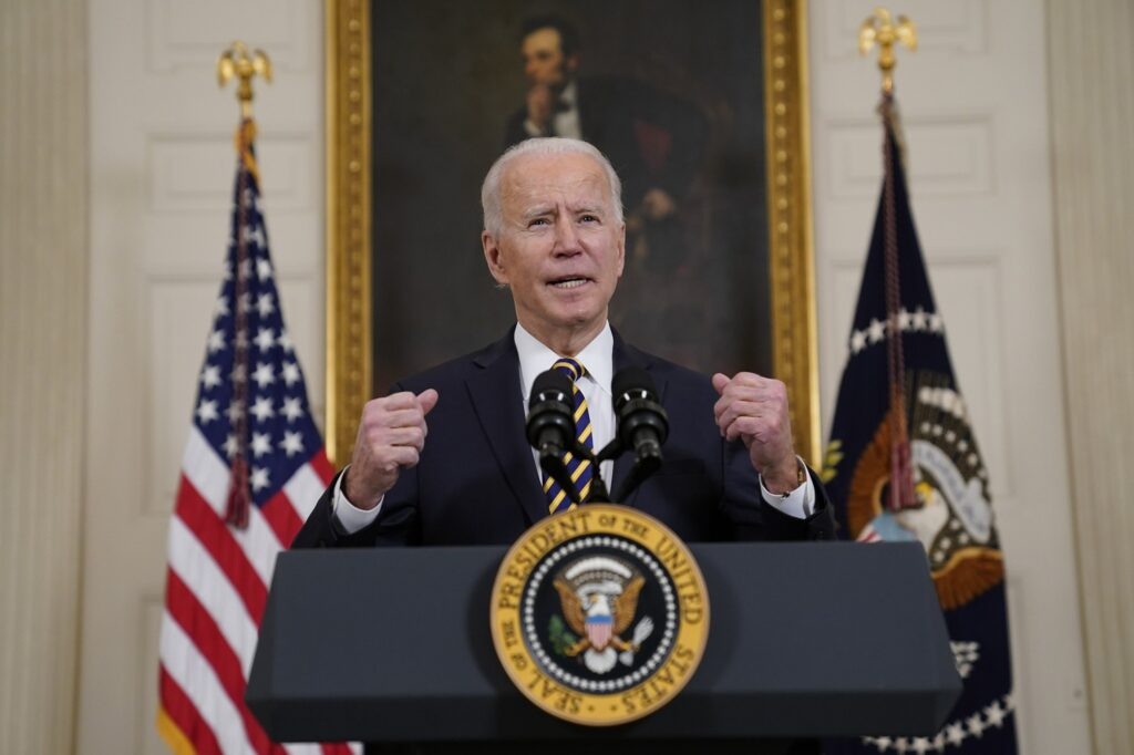 Biden-Announces-24/7-Port-Operations-to-Improve-Supply-Chain-Disruptions-in-the-Auto-Transport-Industry
